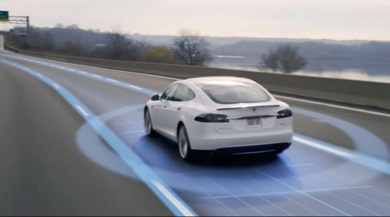 sapazio news.it Guida autonoma Torino Tesla smart mobility_mini