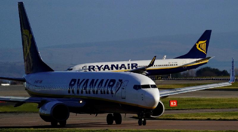 Ryanair B737-800ER due Boeing