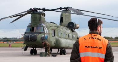 Difesa elicottero Chinook CH-47 Olanda_Spazio-news