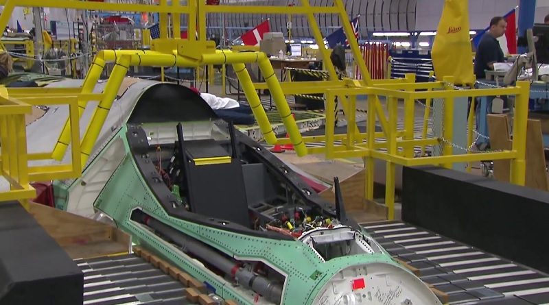 Lavoro F-35 - Cockpit produzione Motore Industria