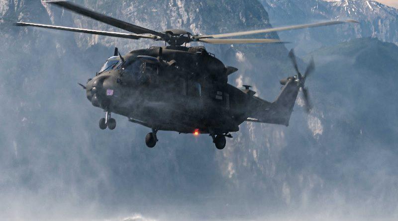 Elicottero Militare Italia Aeronautica Marina Esercito esercitazione Gazza Ladra COFS