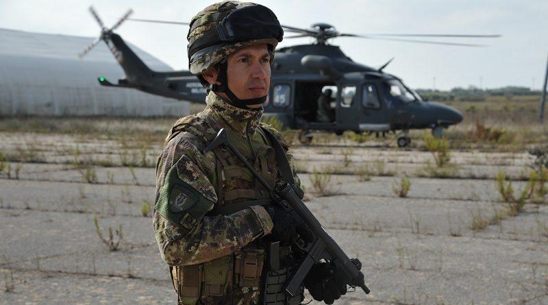 Fucilieri dell'Aria 16° Stormo di Martina Franca elicottero HH-139A 84° Centro SAR Gioia del Colle