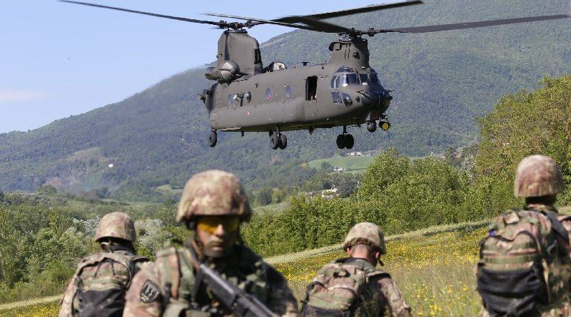 Esercitazione Elicottero Boeing CH-47 Chinook - Esercito Italiano