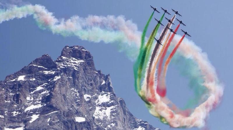 Frecce Tricolori - Campionati del Mondo di sci alpino Cortina 2021 - Alpi - Pattuglia Acrobatica Nazionale - Spazio-News Magazine